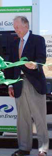T. Boone Pickens cutting the ribbon at a new compressed natural gas fueling station in Texas in 2005.
